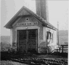 Gerätehaus der ehemaligen FF Rametzberg im Jahr 1964, welche 1966 mit der FF Kilb vereint wurde